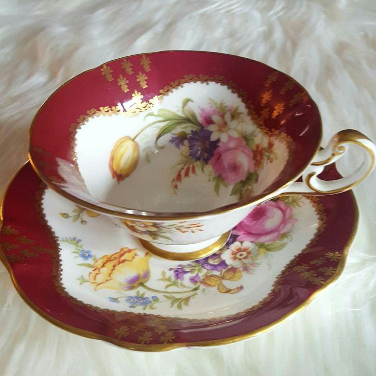 Beautiful Foley teacup and saucer.