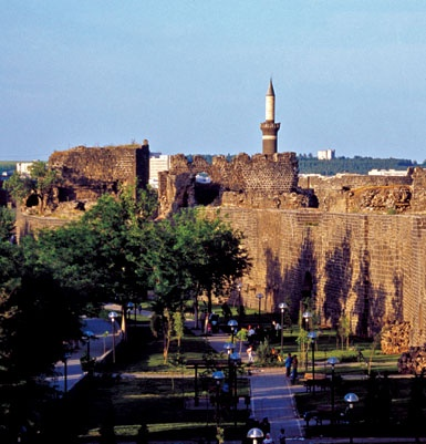 diyarbakir-kalesi-surlari