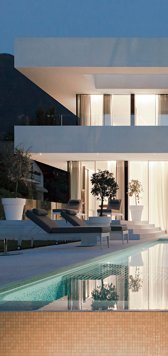 ♛ Exterior .. modern design | Free video shows you how to force the universe to give you your dream life: http://bit.ly/1nf3CeP #Home #Decor #Interior #Design #Exterior ༺༺ ❤ ℭƘ ༻༻