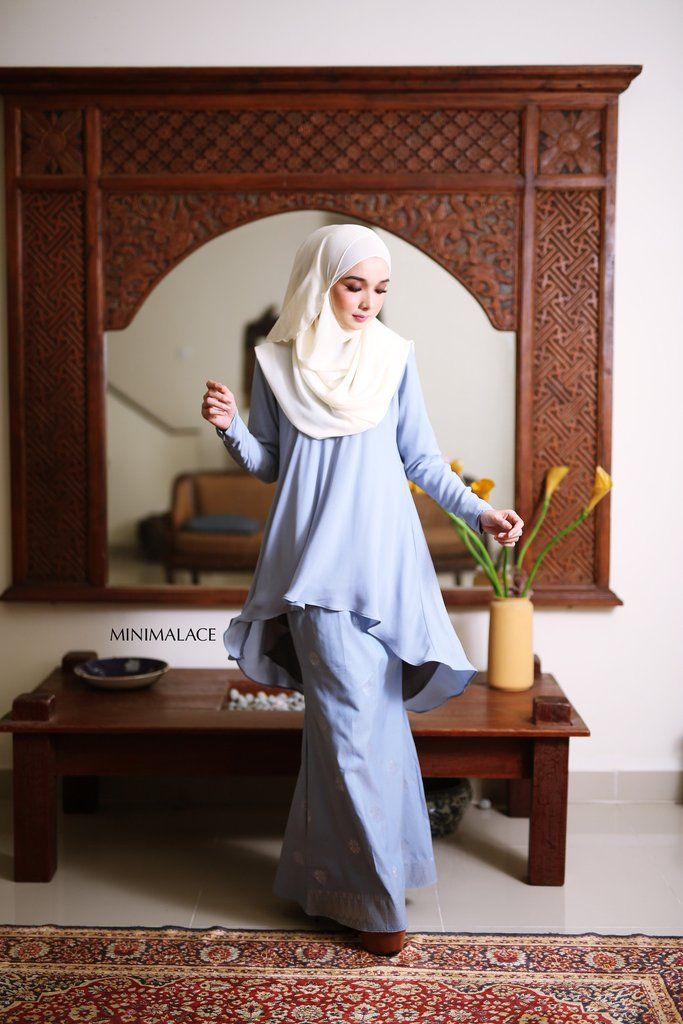 - Top : Heavy Chiffon (Fully lining) / Blue Grey colour -Bottom : Imported Indian Songket (Fully lining) / Blue Grey colour - Wudu' Friendly - Hand Wash - Mode