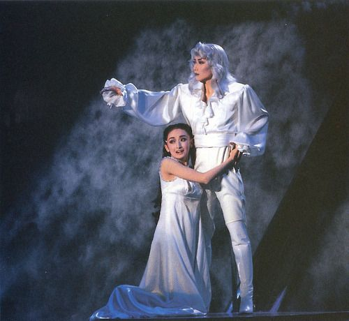 Ichiro Maki as der Tod and Hanafusa Mari as Elisabeth from the finale of the 1996 Takarazuka production of Elisabeth. Scanned by me via the...
