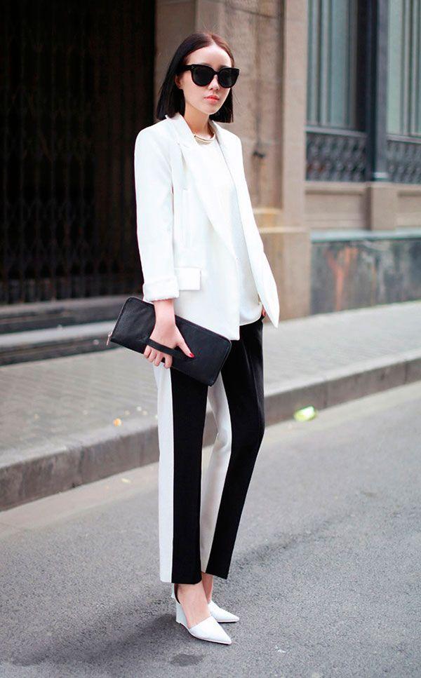 Vai para um entrevista de emprego e não sabe o que vestir? Para áreas administrativas: um look certeiro. Calça de alfaiataria bicolor + blazer + scarpin é sempre garantia de acerto.