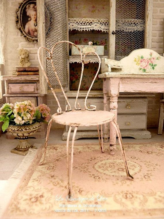 Shabby PINK, Conservatory, Romantic chair, Furniture for dollhouse in 1:12th scale. Romantic chair. It measures 4,5 cm Ø 1.77 X 8,5 cm H 3.35. I