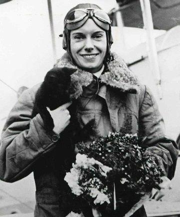 Catisart - Η αεροπόρος Jean Batten και η γάτα Buddy