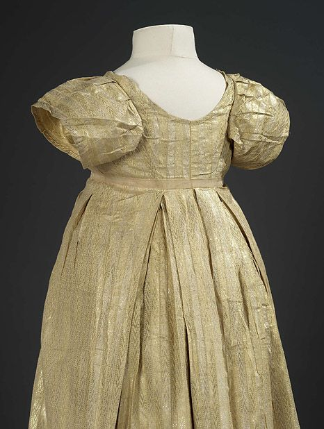 Back view, detail, gold overrobe, c.1801