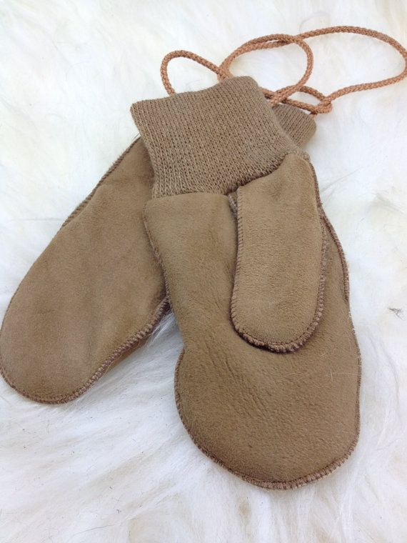 Genuine shearling mittens with stretch woollen cuffs for by BeFur, €17.50