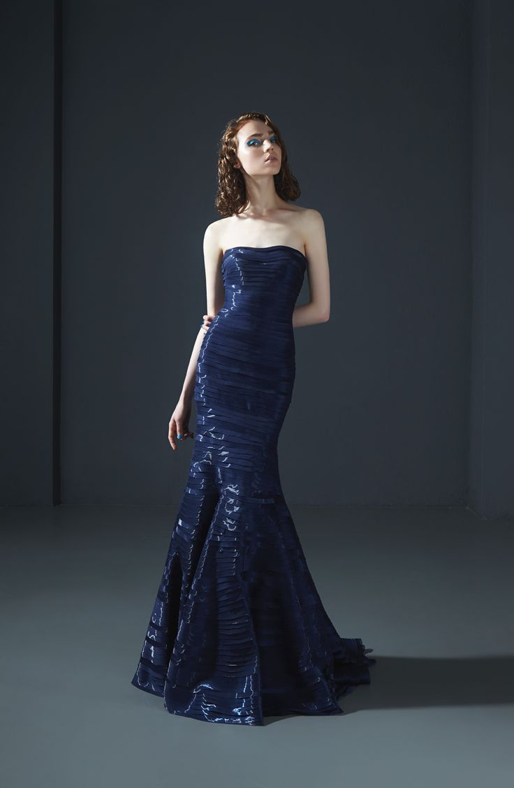 160026: Strapless mermaid dress in glossy organza with folded bands