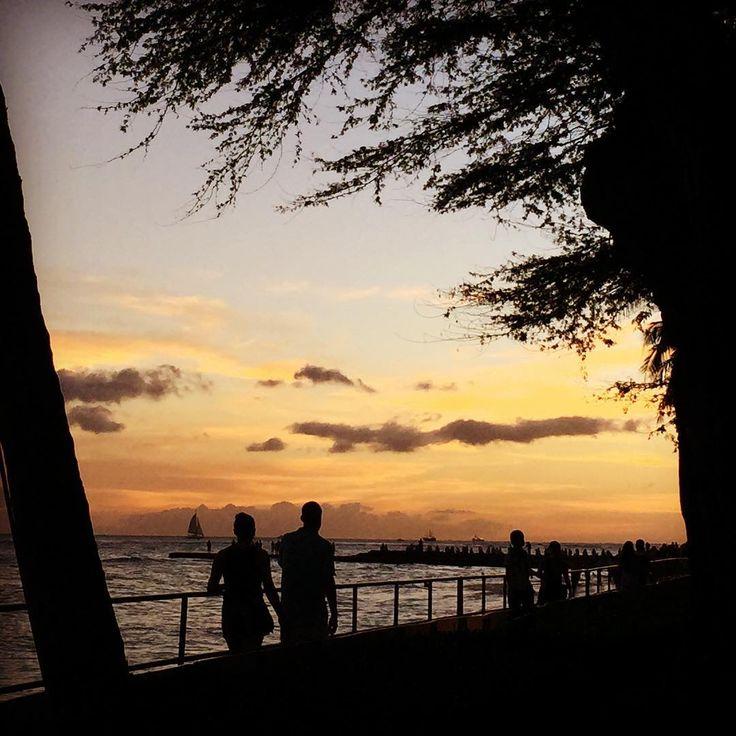 Llego el atardecer en #Hawaii