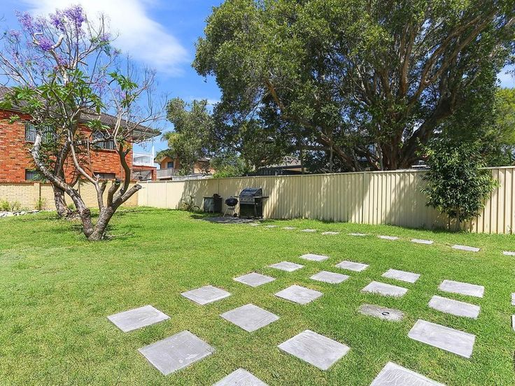 Commanding a 607sqm block of immense potential, this outstanding family home combines spacious comfort with versatile indoor and outdoor living zones. Heffron Park is set at the end of the street, while schools, Eastgardens and beaches are all close by.