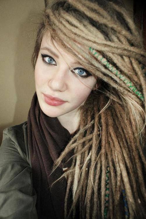 I love the wrapped dread