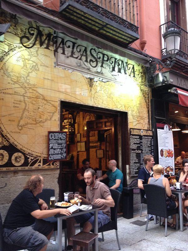 Tapear En Madrid Beber Barato Para Comer Gratis Buena Vibra Secretos De Madrid Viaje A Madrid Madrid Turismo