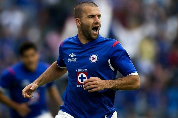 Oficial, 'Tito' Villa ya es de Pumas
