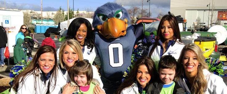 Show Your Seahawks Spirit | Seahawks 12k at The Landing, Renton, WA