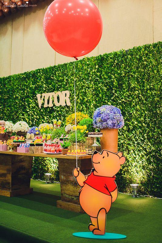 Festa linda no tema Ursinho Pooh. Decoraçãio by Camila Sarmento Cerimonial Fanfarra - Vitória, ES Fotos Tássila Costa fotografia