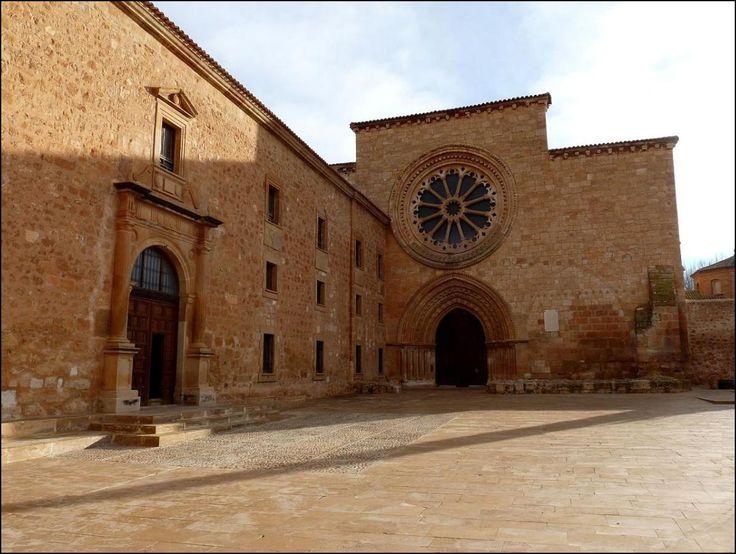 Fachada de la iglesia. Foto: Wikipedia