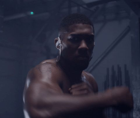 New party member! Tags: fight punch punching knockout punches spar sparring reactive shadowboxing anthony joshua beatsbydre powerbeats3wireless