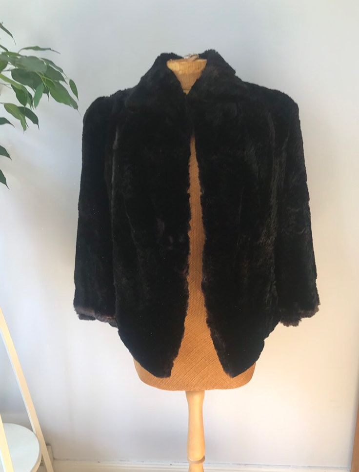 Ladies vintage fur cape jacket, boho chic, evening wear, formal wear, glam rock, elegant, stylish, chic – Vintage Clothes and Style