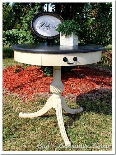 Drum pedestal table