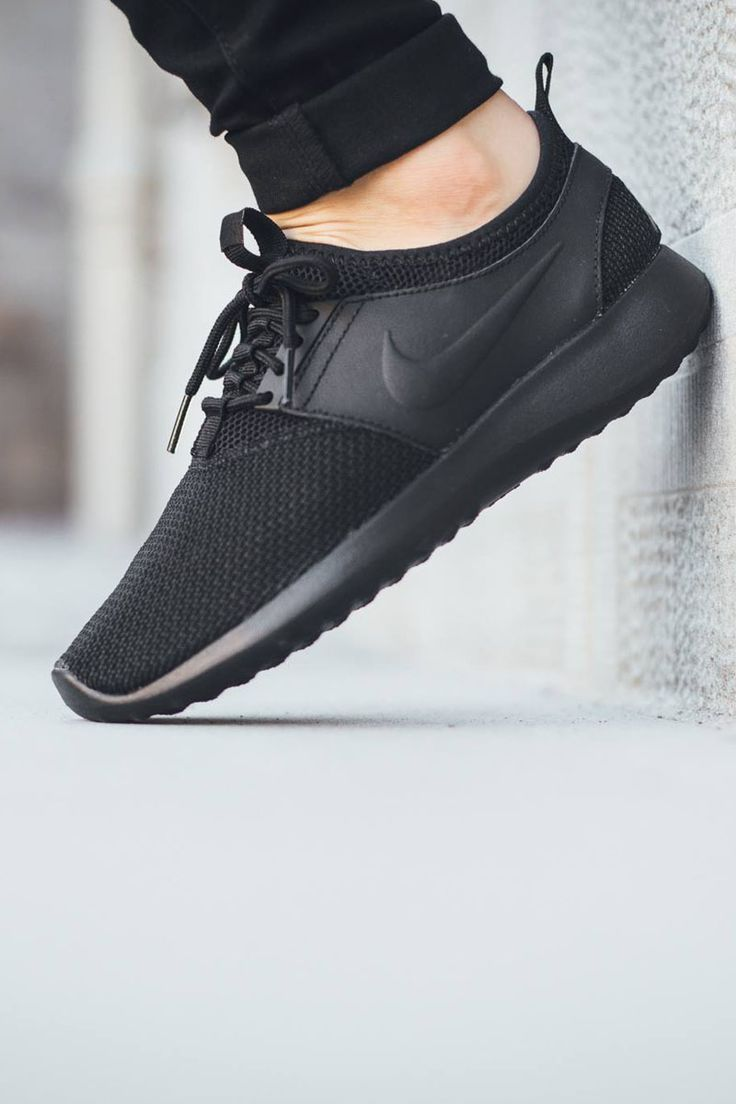 Trendy Women's Sneakers : Nike Juvenate TXT Wmns – Black / Black