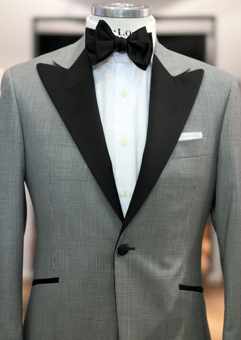 THIS is a tux jacket. Love the wide, contrast peak lapel. Usually not a fan of the single button, but works here.