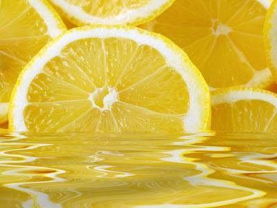 Acqua e limone: disintossicarsi e remineralizzarsi in maniera naturale