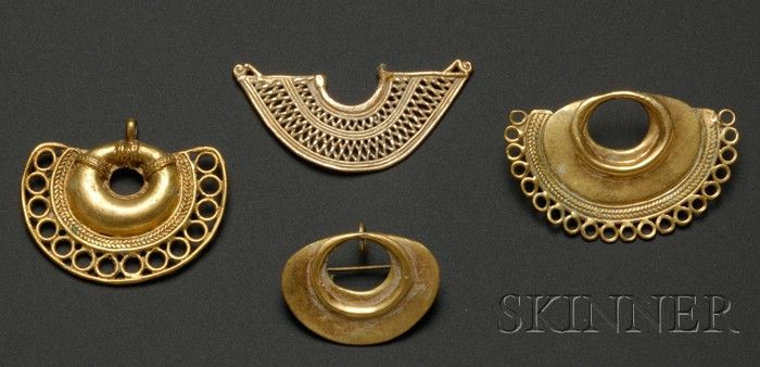 Colombia | 4 gold earrings | Pre-Columbian; ca. 800 - 1500 AD | 1,126$ ~ Sold