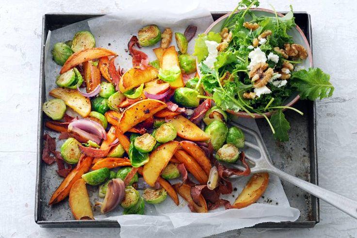 Appel doet goed in taarten, maar zeker ook in ovenschotels. Met oer-Hollandse spruiten bijvoorbeeld.- Recept - Allerhande