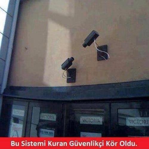 güvenlik kamerası,güvenlik,security cam,aynştayn,mal,komik,inci caps,inci sözlük,mizah,caps