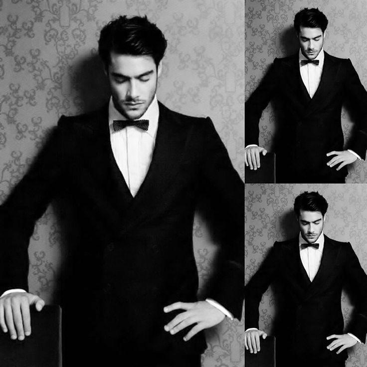 Hey there Mr...!  #tux #tuxedo #malemodel #kostuum #model #zwartwit #blackwhite #blackandwhite #tuxedomodel