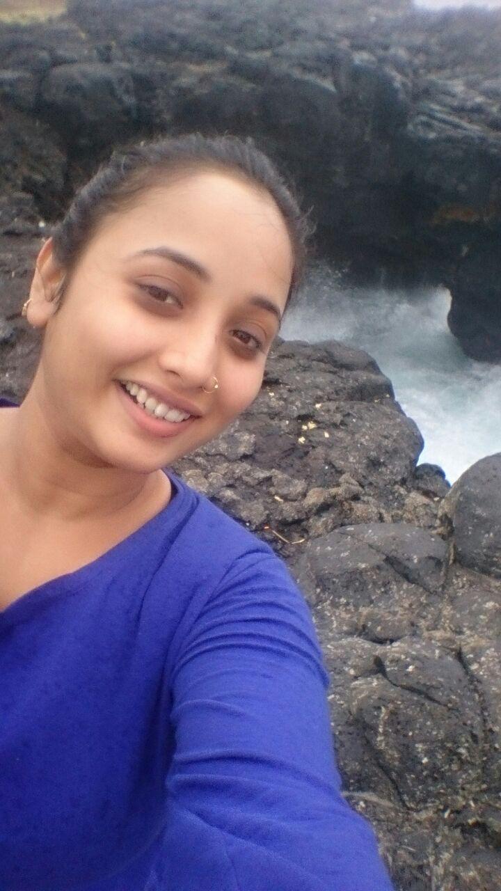 Bhojpuri Actress Rani Chatterjee Hot Photos - Get Latest ...