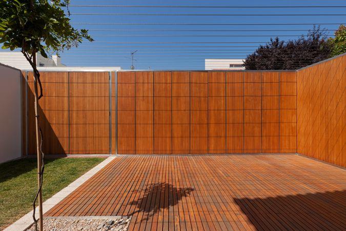 João Álvaro Rocha - Casa na Rua Tomé de Sousa  Porto  2001 - 2009