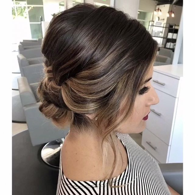 Do you wanna see more fab hairstyle ideas and tips for your wedding? Then, just visit our web site babe! #hairtutorial #braidtutorials #hairvideo #videotutorial #updotutorial #updoideas #weddinghair #bridalhair #Updostutorials