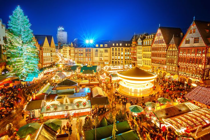 Traditional Christmas Market in Frankfurt puzzle in