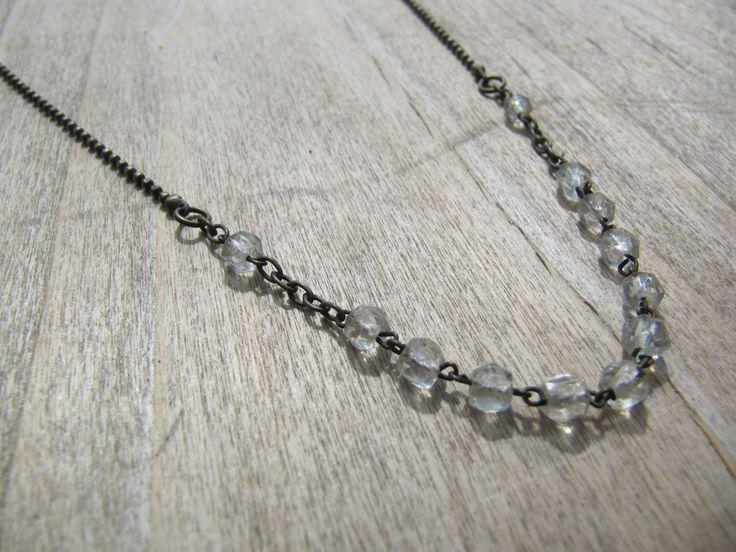 collier mi long en bronze et perles vintage transparentes : Collier par milky-bibiche
