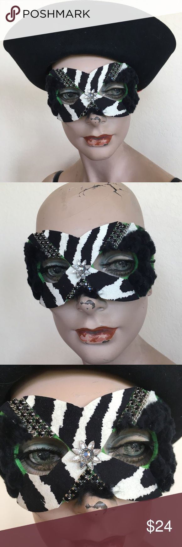 Theatrical wear 4 life offstage MASK, who are you? Cool handmade. Chicken and turkey feathers , Swarovski crystals, chain, bugs, kid leather, glass pearls, jewelry findings, handmade, one of a kind, Signed! Accessories