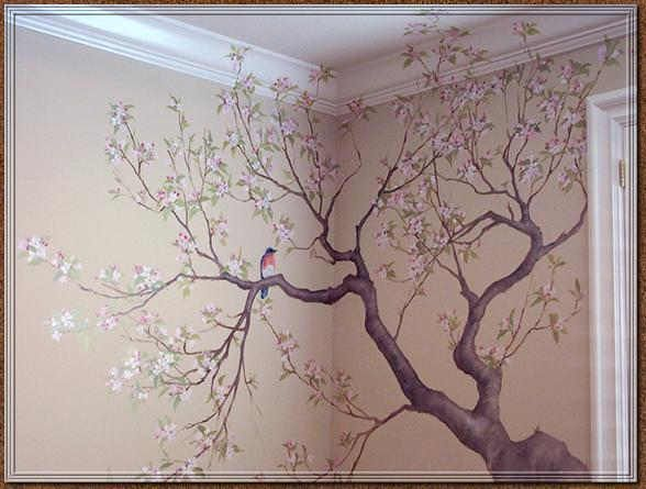 Beautifully done the way it wraps around the wall and onto the ceiling. That bird sitting on the branch just added that final little touch!