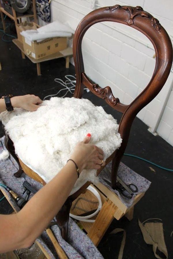 Comment être un tapissier d'ameublement et récupéré votre rétro chaise? Deuxième partie du tapissier d'ameublement pour ses travaux et le chais retro