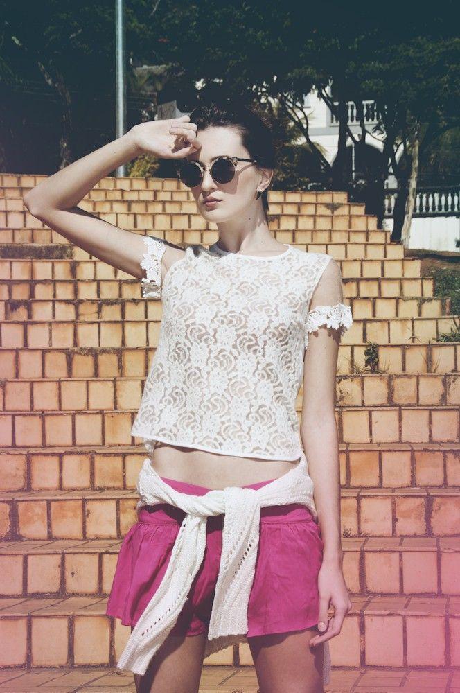 Blusa Renda + Short saia pink + Tricot off  Na loja on line: www.amourami.com.br