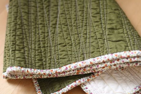 alright, so here is the tutorial for my go - to quilt . just after snapping the first photo, yeste...
