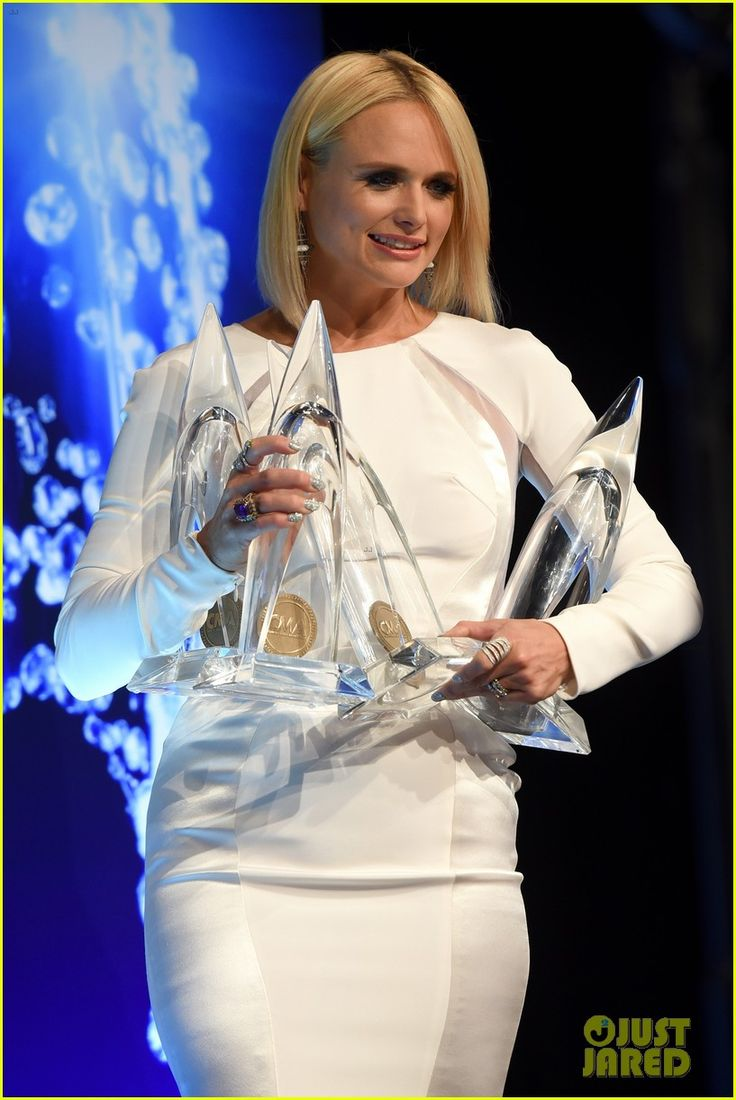 Country singer Miranda Lambert wearing an Antonini ring while in the press room with her awards at the 48th annual CMA Awards on November 5th in Nashville, Tennessee.