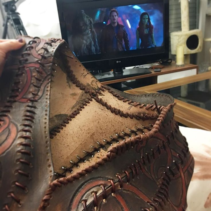 [ #cosplay ] Attaching and finishing the collar on #lagertha #bodice whil watching #guardiansofthegalaxy on @Netflix _____________________________________________________________ #lagertha #lagerthacosplay  #shieldmaiden #lagerthalothbrok #vikings #vikingstyle #vikingscosplay #costume #costumedesign #costumemaking #cosplaygirl #cosplayersofinstagram #cosplayers #cosplayprogress #history #historychannel #cosplaygirl #cosplaywip #wip  #marvel #vest
