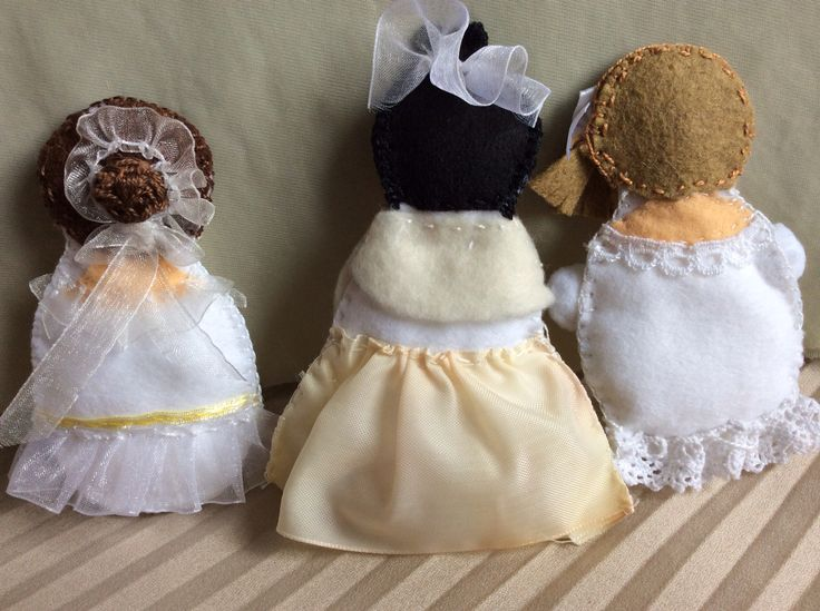 Bride plushies, back view - for some of the lovely details.