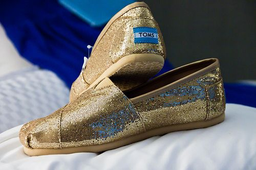 Toms Simli Altın Işıltılı Model