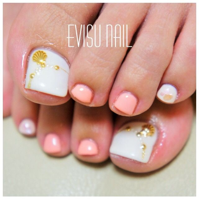 White-Coral Toe Nail Art #nailbook