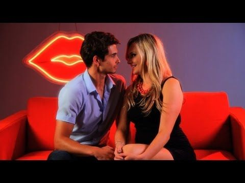 25+ Tips How to Get a Guy to Kiss You - Seduce Him With These Simple Tricks