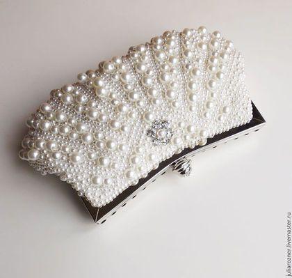 Жемчужная свадебная сумочка