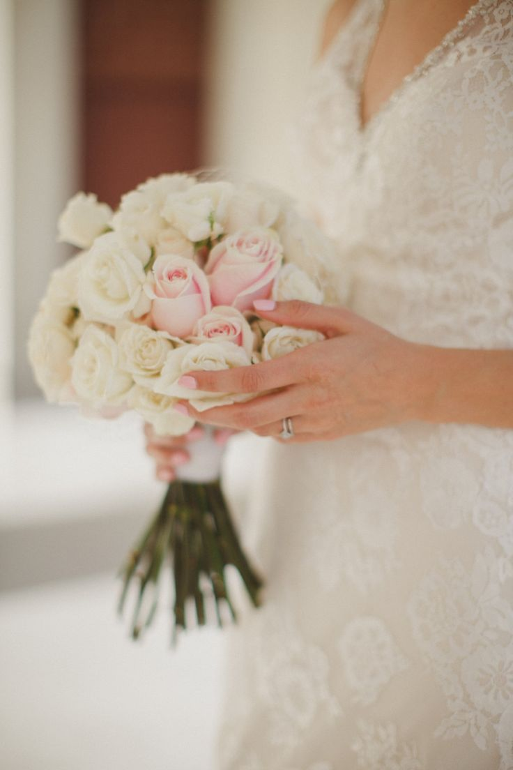 rose bouquet with blusher