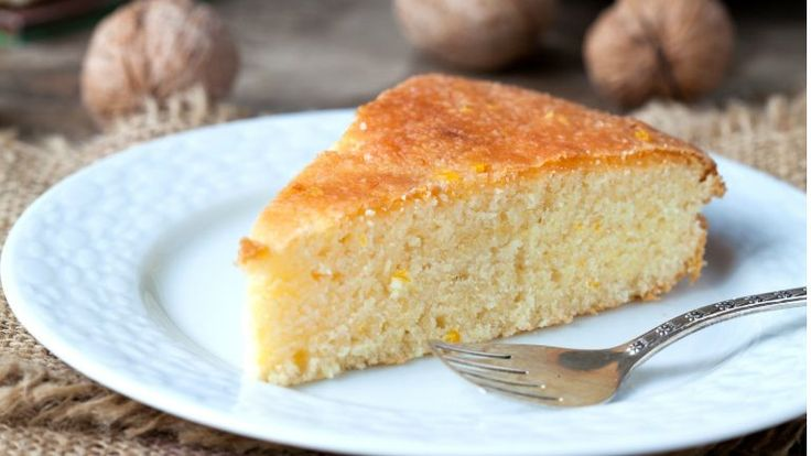 Egyszerű, tökéletes, és jól variálható joghurtos bögrés sütő - Pár alapanyag, néhány perc, és már össze is keverted a bögrés süti tésztáját, a többi munkát már a sütő végzi. Nincs ennél egyszerűbb édesség!