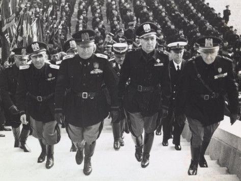 Mussolini and blackshirts