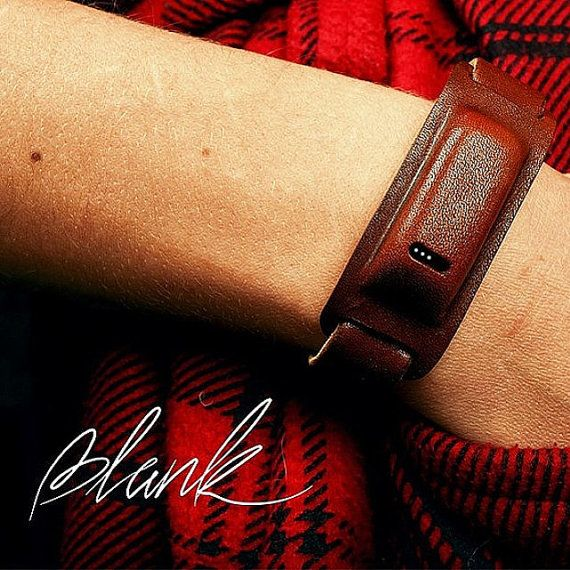 Fitbit band - Fitbit cover - black fitbit band - black fitbit bracelet - leather fitbit cover - fit bit cover - fitbit flex bracelet  Our leather Fitbit band is handmade of top quality genuine leather.  This band fits fixbit flex only.  ALSO AVAILABLE IN BROWN, GREEN, YELLOW, CHOCOLATE, RED, BLUE, DARK BLUE AND WHITE COLOR  ------Free customization!------  You can get it with any laser engraving.  --------SIZING--------  This band is available in sizes from 5 to 10 Measure and select your…